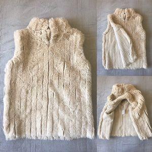 Tops - Vintage Fur Vest - White Fuzzy Furry Soft Zipper